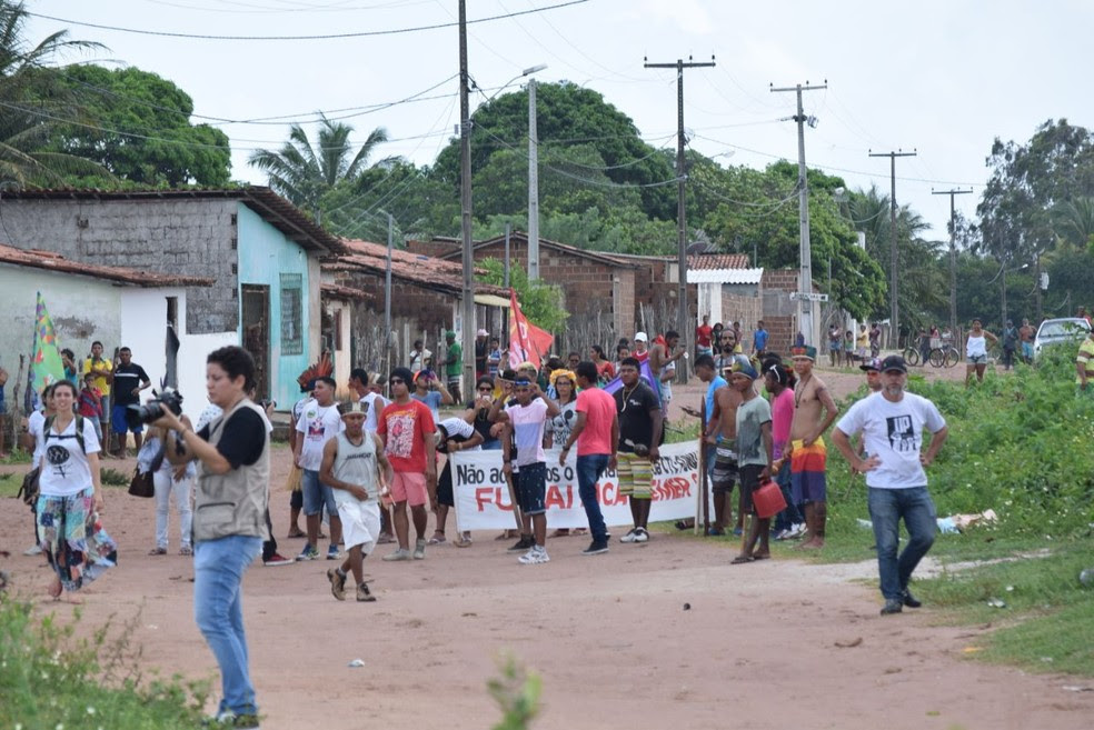 Manifestação é contra fechamento da Funai no RN e pede saída de Michel Temer (Foto: Richardson Hill )