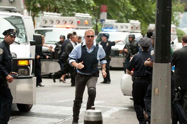 Thomas Harper (Kevin Costner), Jack Ryan's mentor, tries to thwart a terrorist plot on U.S. soil in JACK RYAN: SHADOW RECRUIT.