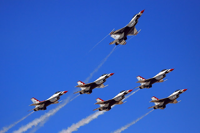 IMG_3460 Thunderbirds, Travis AFB Air Show
