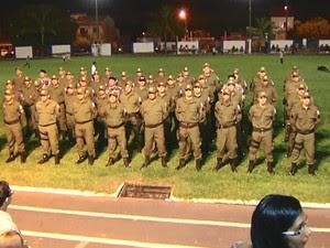 365 militares subiram de patente (Foto: Reprodução/TV Tapajós)
