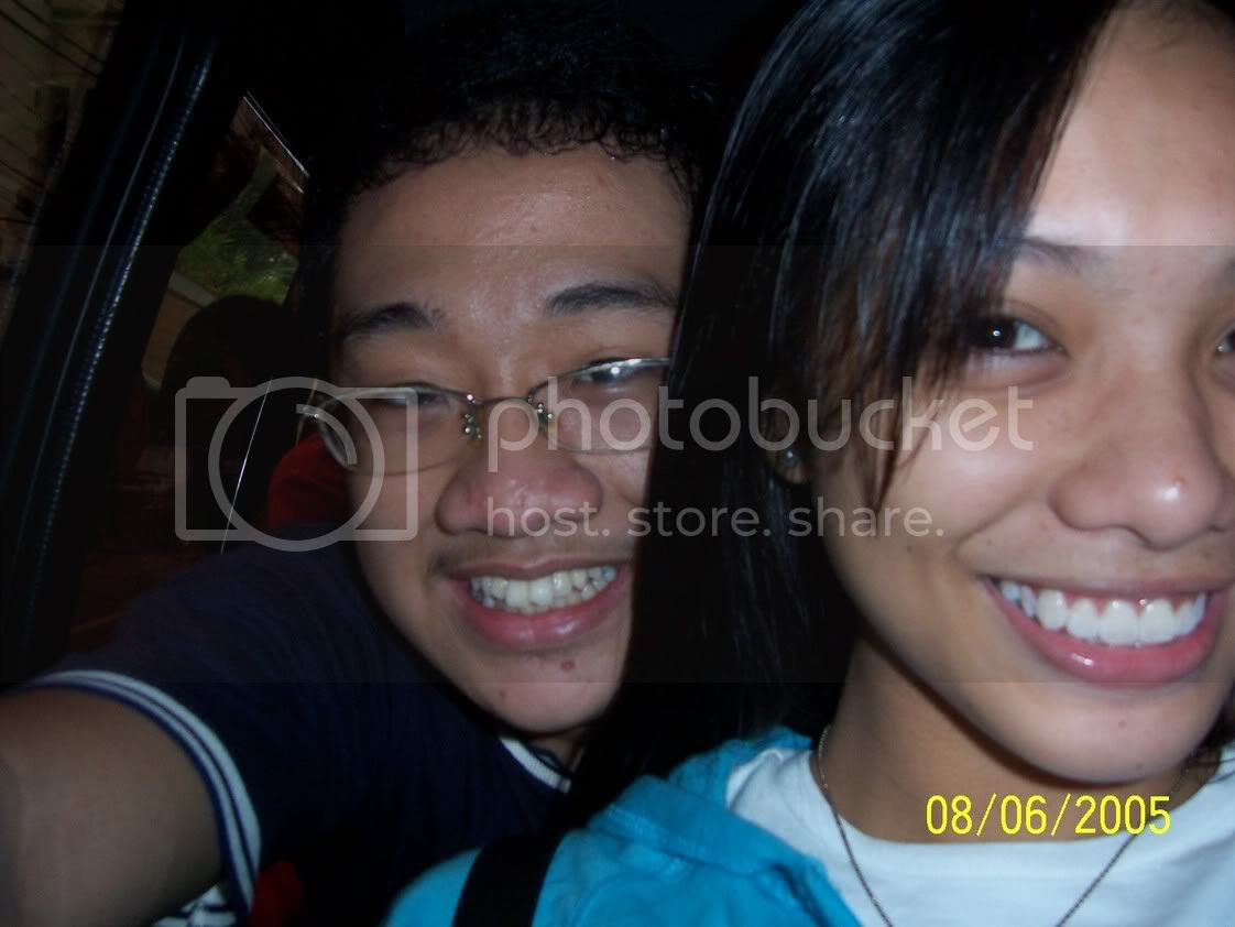 Jaja and me en route to the ABS-CBN studios, before the pearl went missing. Wait, I'm not supposed to talk about that, right? Image hosted by Photobucket