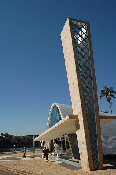 Ficheiro:Oscar Niemeyer's Church of St Francis in Belo Horizonte2.jpg