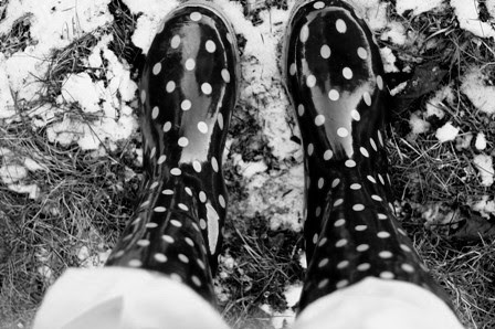 dots and snow