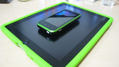 iPad & IS05 Green