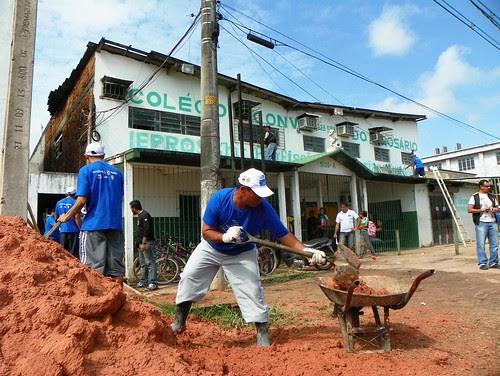 Projeto usa mão de obra de presos para recuperar praças e escolas públicas do Pará