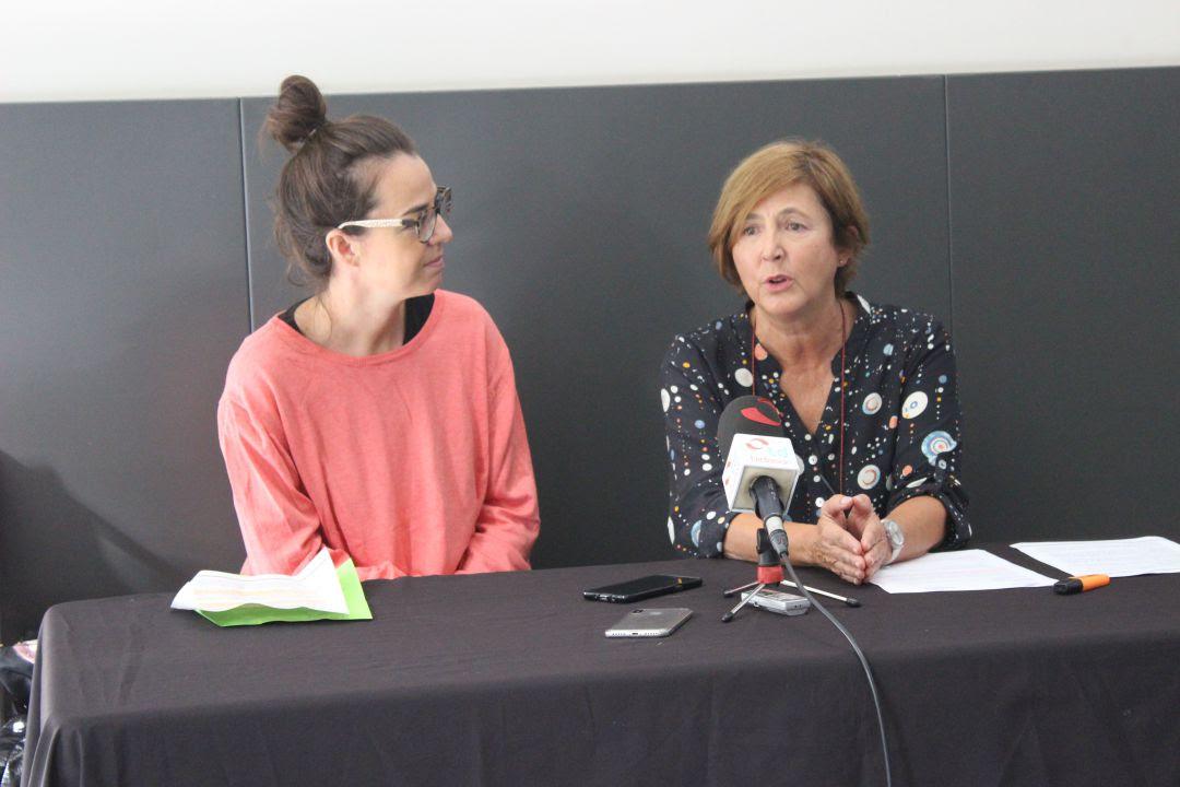 Juncal Eizaguirre, delegada de Cultura y Cristina Aguirre, directora del Museo.