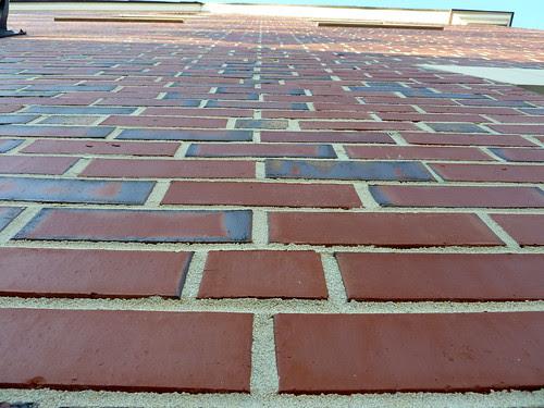 P1010044-2010-03-06-Decatur-City-Hall-East-Wind-Brick-Bond-Detail