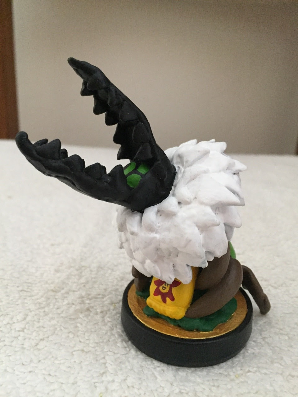 Custom Centipeetle Amiibo using G&Ws base stand. Made from self drying plastic clay and Formula P3 paint.