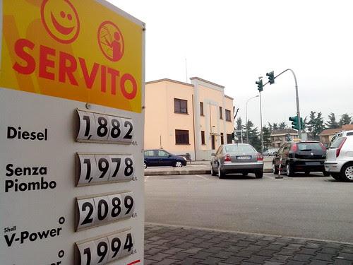 Prezzo carburante, servito da Daddo by Ylbert Durishti