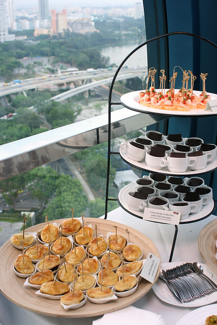 Enjoy canapes, chili chocolate and wine in the sky