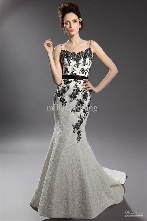 Amazing Black and White Feather Wedding Dresses   Fashion