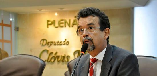 …E finalmente Mineiro deixa a liderança do governo na assembleia