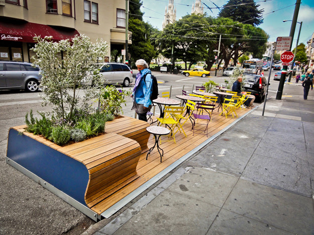 Parklet outside of Tony's Pizza Napoletana, North Beach