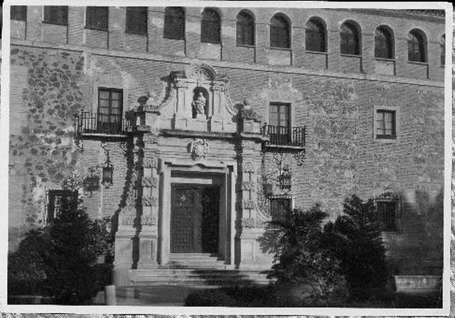Monasterio de San Bernardo hacia 1925. Fondo Rodríguez. (c) JCCM, AHP, Signatura 01B-139