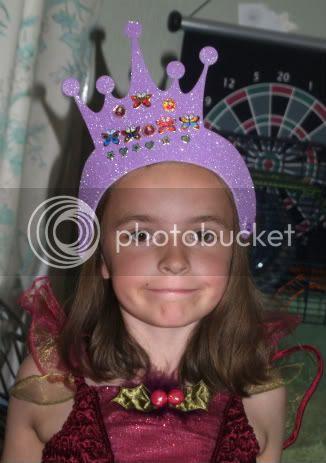Gabby crown craft Bellas 5th Birthday party