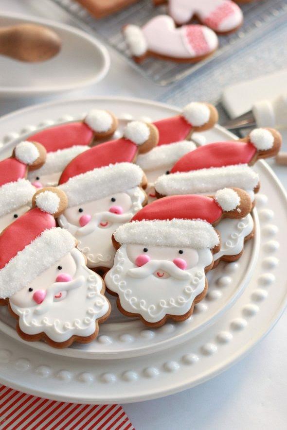 santa-decorated-cookies