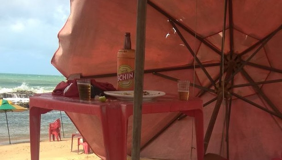Homicídio na Praia do Meio, em Natal, foi registrado nesta sexta-feira. (Foto: Divulgação / PM)