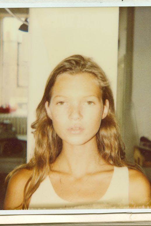 Le Fashion Blog Model Style Kate Moss Blonde Wavy Hair White Tank Top Via Nowness