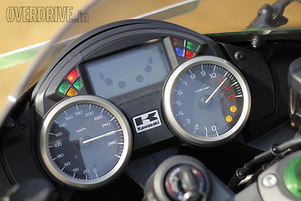 Comparo Suzuki Hayabusa Vs Kawasaki Ninja Zx 14r