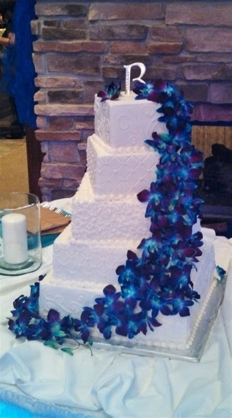 Wedding cake made and decorated by Lorraine Arthur of