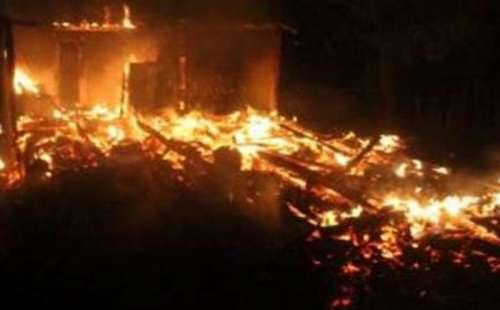 Mulher morre carbonizada em incêndio em residência