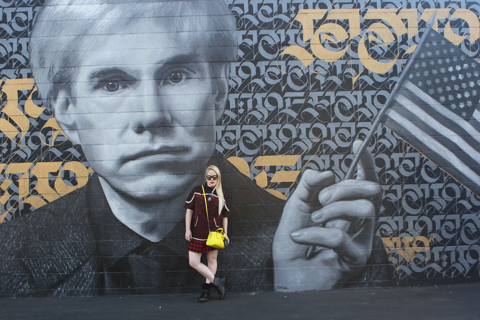 photo andywarhol-losangeles-grafitti-beckermangirls-coach_zps04179fb5.jpg