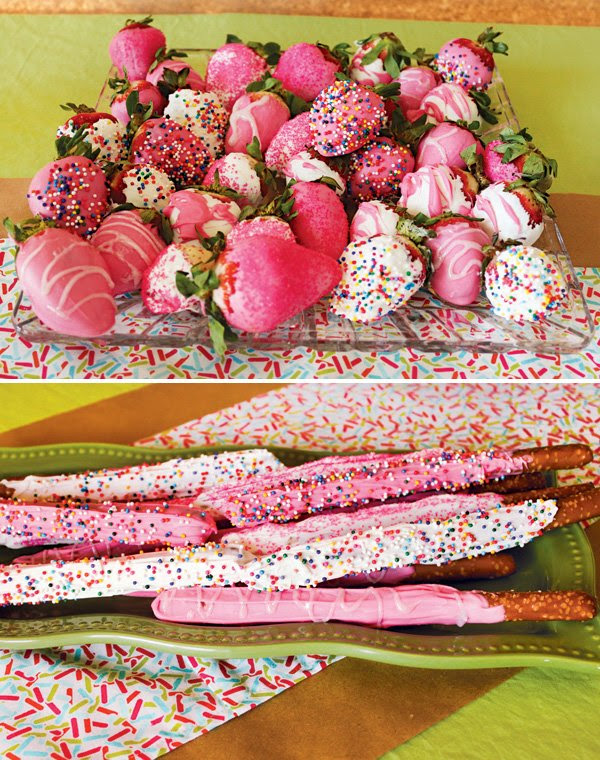 Sprinkled with Love Cupcake Baby Shower // Hostess with ...
