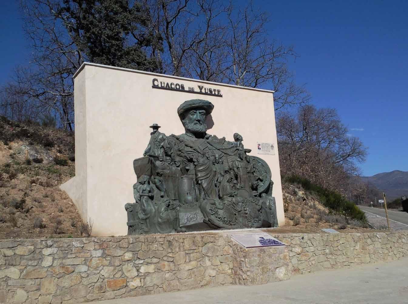 Grupo escultórico de Carlos V. Foto: Cedida por el Ayuntamiento de Cuacos de Yuste.