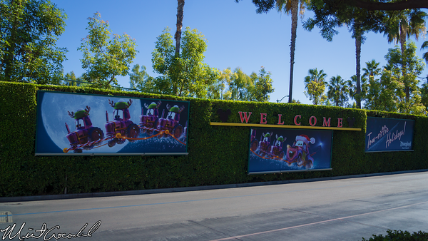 Disneyland Resort, Mickey and Friends, Parking Structure, Christmas, Time, Santa, Mater