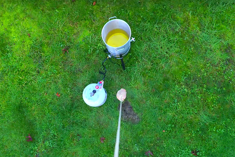 cooking-thanksgiving-with-a-drone-designboom-02
