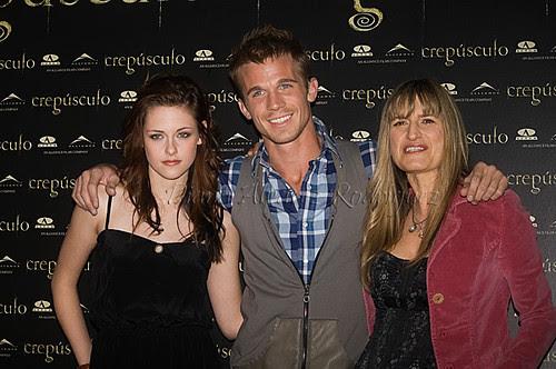 Kristen Stewart,Cam Gigandet & Catherine Hardwicke
