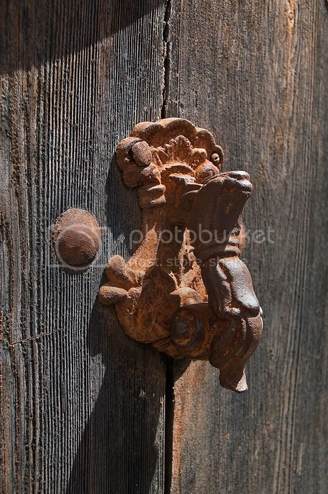 Rusty Door Knocker in Torrelles de Llobregat , Barcelona, Spain [enlarge]