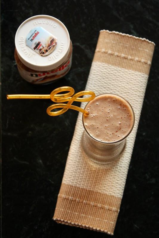 nutella banana oat smoothie