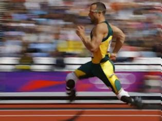 Φωτογραφία για Αυτό είναι Ολυμπιακοί αγώνες.Συγκλονιστικό στιγμιότυπο με Πιστόριους και Τζέιμς