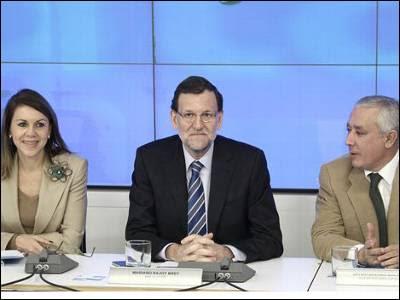 Cospedal, Rajoy y Arenas en una reunión del PP en la sede nacional. EFE