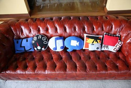 mac_dock_pillows