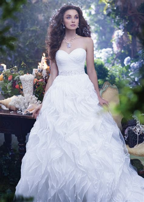 Disney's 2014 wedding dress collection: Which princess
