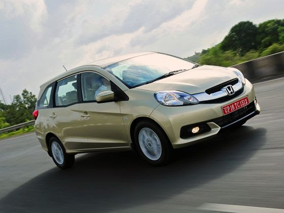 Honda Mobilio Review front tracking