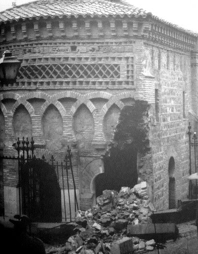 Derrumbe de parte de la mezquita del Cristo de la Luz de Toledo el 18 de febrero de 1964 debido a las humedades del subsuelo