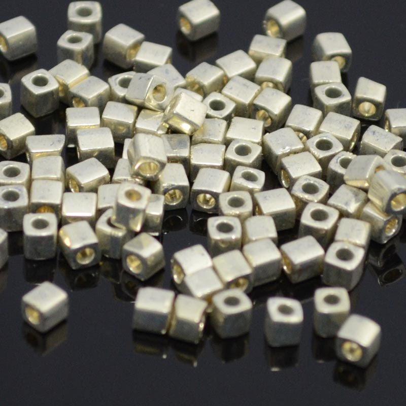 sb3-1051 Miyuki - 3 mm Japanese Cubes - Metallic Silver