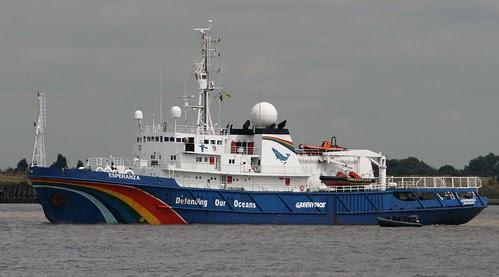 Greenpeace Ship Esperanza off Gravesend