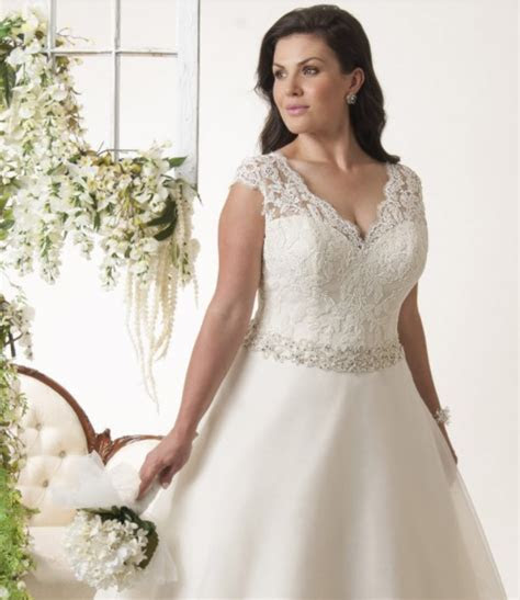 Wide Shoulder Straps Plus Size Wedding Dresses You Will
