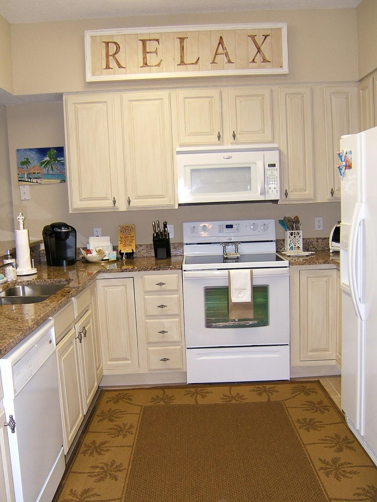 Kitchen Rug Ideas: Nay or Yea? - HomesFeed