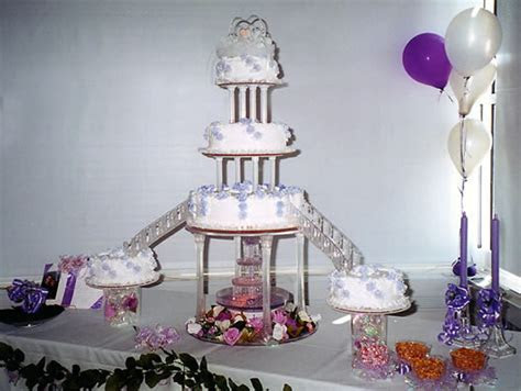Heart Shaped Wedding Cakes With Fountain