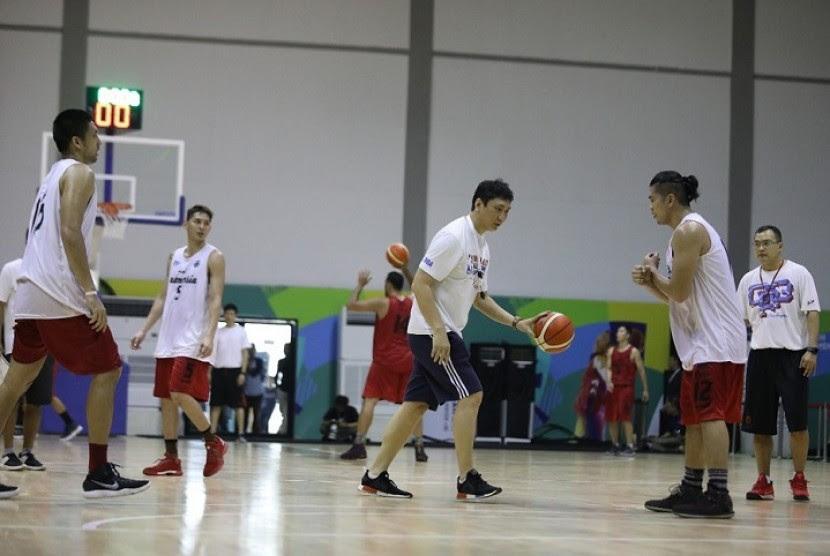 Raih Emas, Fictor Roring Puji Staf Pelatih Timnas Basket  Republika Online