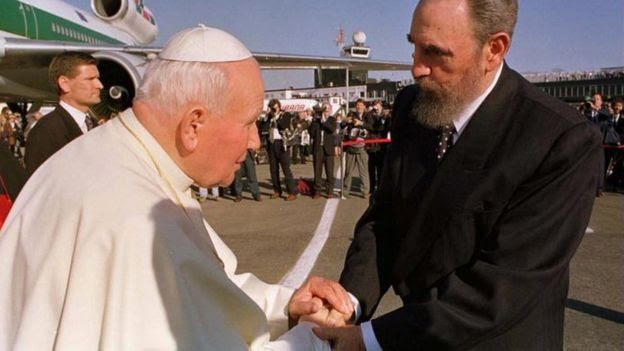 Fidel recebe o papa João Paulo 2º