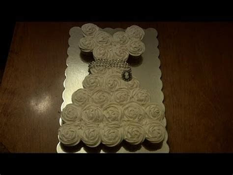 How to make DIY wedding dress cupcake cake step by step