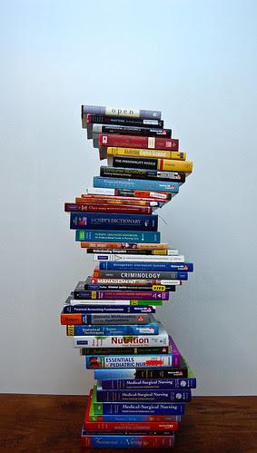 Week 6 Pt. 2: Sooooo many books by CARfoto