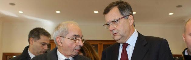 Giuliano Amato, il dottor Sottile con più poltrone di Divani&Divani