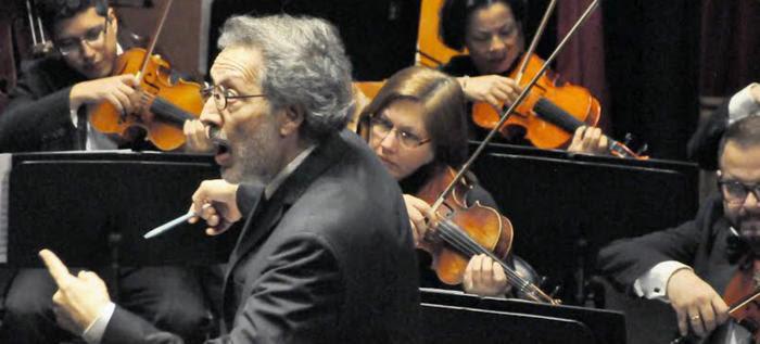 Asistencia masiva al concierto de la Filarmónica de Cali en el Municipal